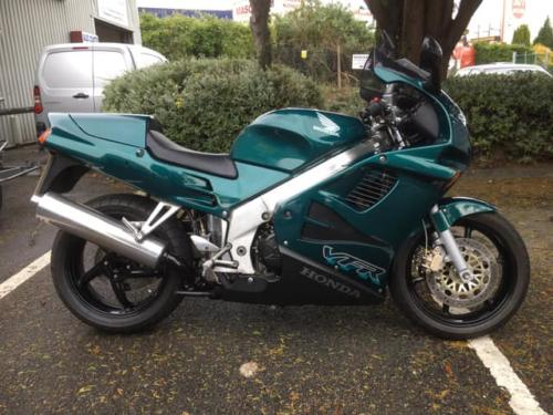 Honda VFR750 (1998, R plate) £3,200 (17,000 miles) - immaculate